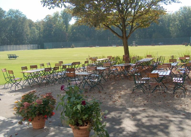 willkommen im gastgarten bayernlb Sportarena münchen sommer